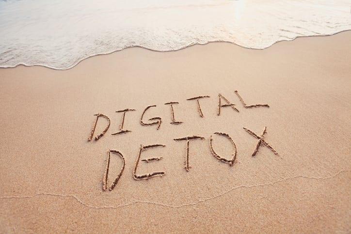 Nous parlons digital detox sur le blog du minimalisme et du désencombrement
